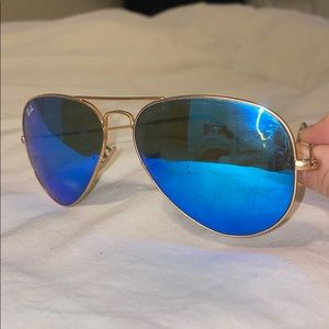 RAY BAN- BLUE MIRRORED LENSE